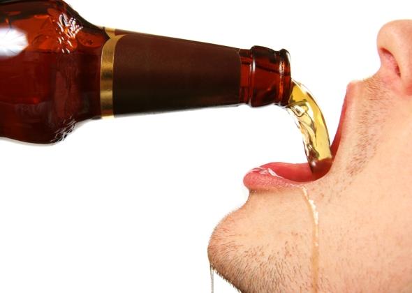 Как быстро выпить пиво залпом?